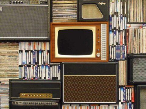 ¡La Ciencia Explica que Ver la Televisión nos Hace ser Mejores!