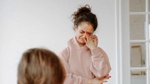 Por qué Mi novio me ve llorar y no hace nada