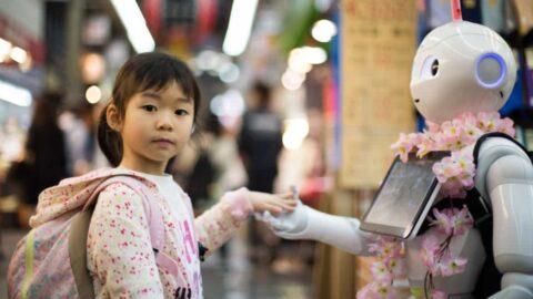 ¡Nuevo robot social! ¿Qué puede hacer?
