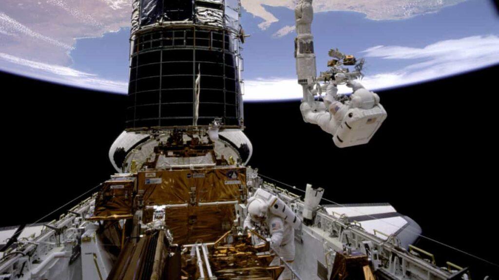 telescopio hubble, error fatal deja al telescopio Hubble fuera de servicio, nasa, que causo el fallotecnico en el hubble